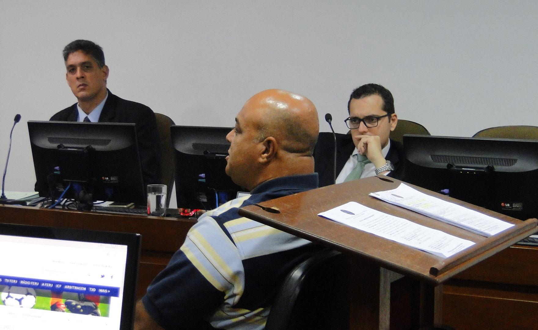 Angra dos Reis tem jogador multado por ofensa