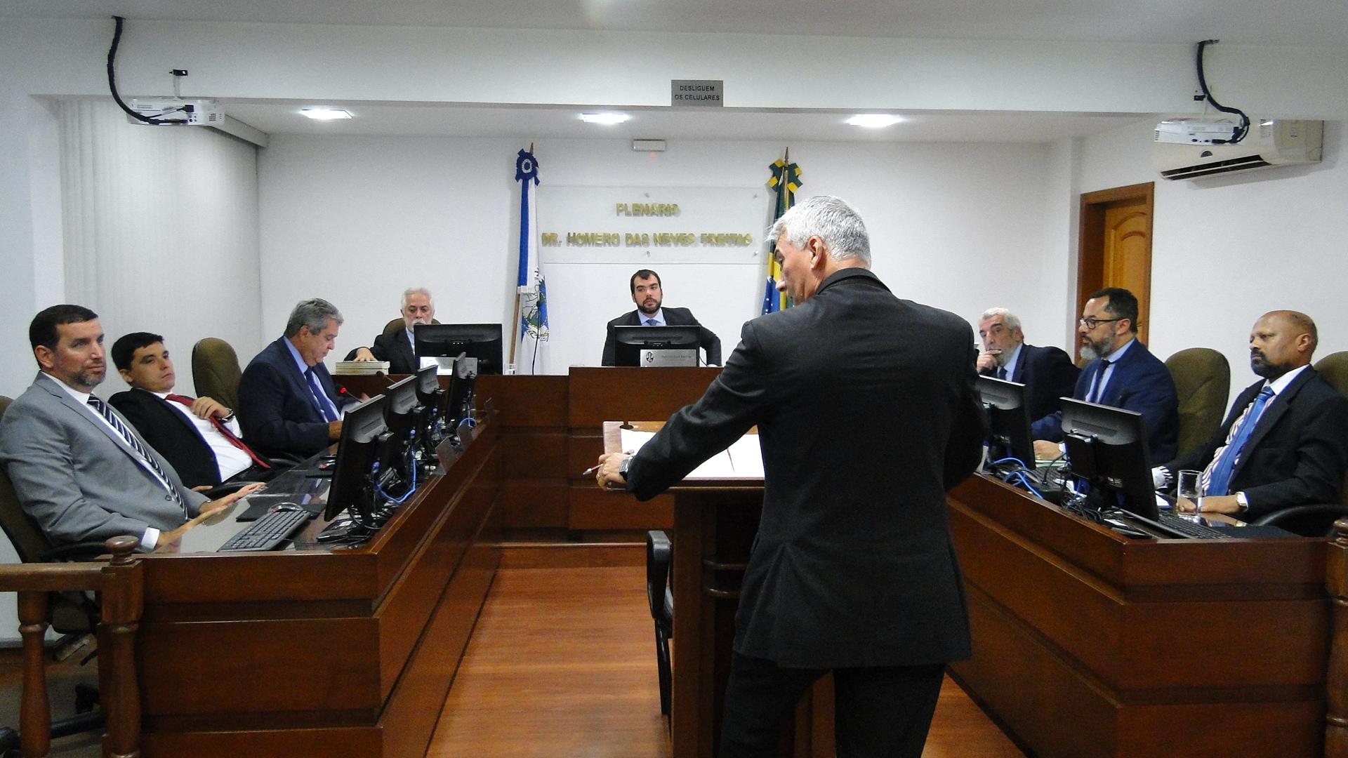 Pleno reforma decisão que absolvia Heliópolis, Paraíba do Sul e Ceres