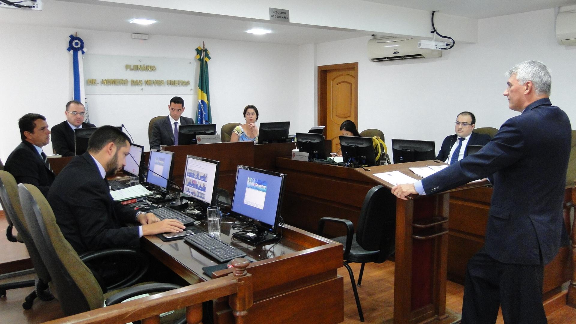 Primeira Comissão julga descumprimento de decisão