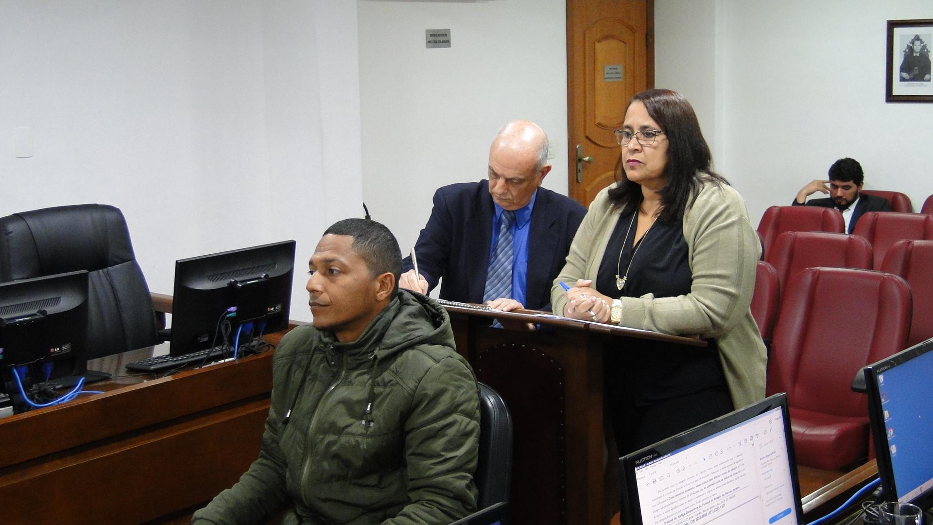 Maradona e Aldo são advertidos e árbitro absolvido