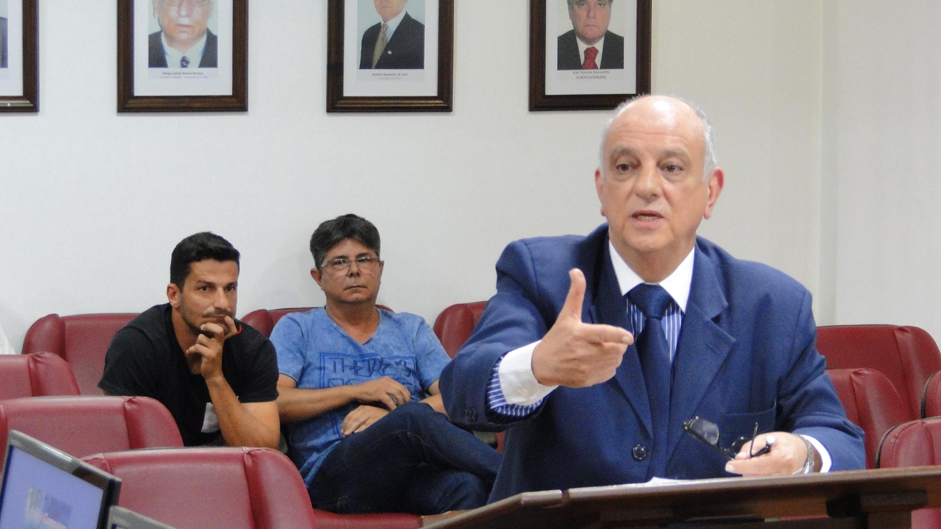 Presidente do Sampaio Corrêa é suspenso em 30 dias como jogador