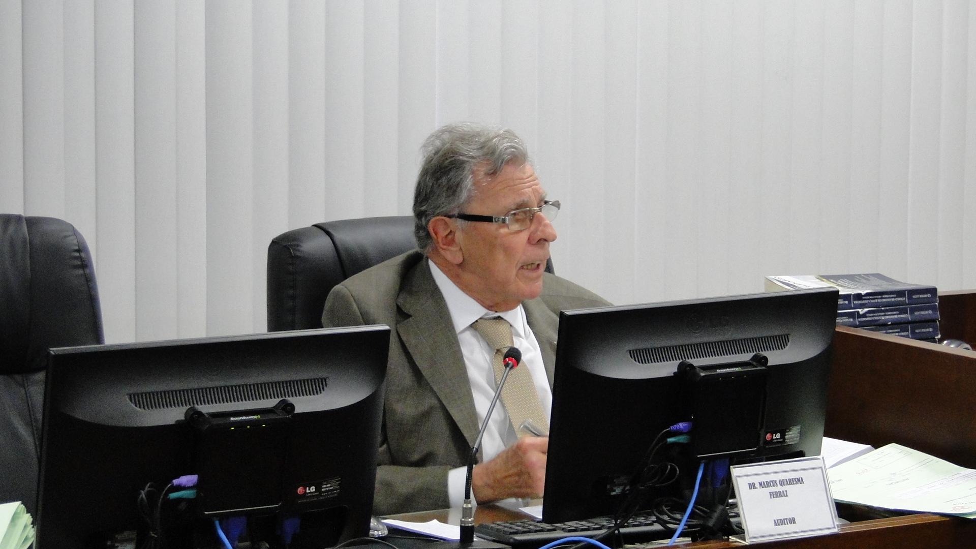 Comissão suspende presidente do Serra Macaense por chamar árbitro de ladrão