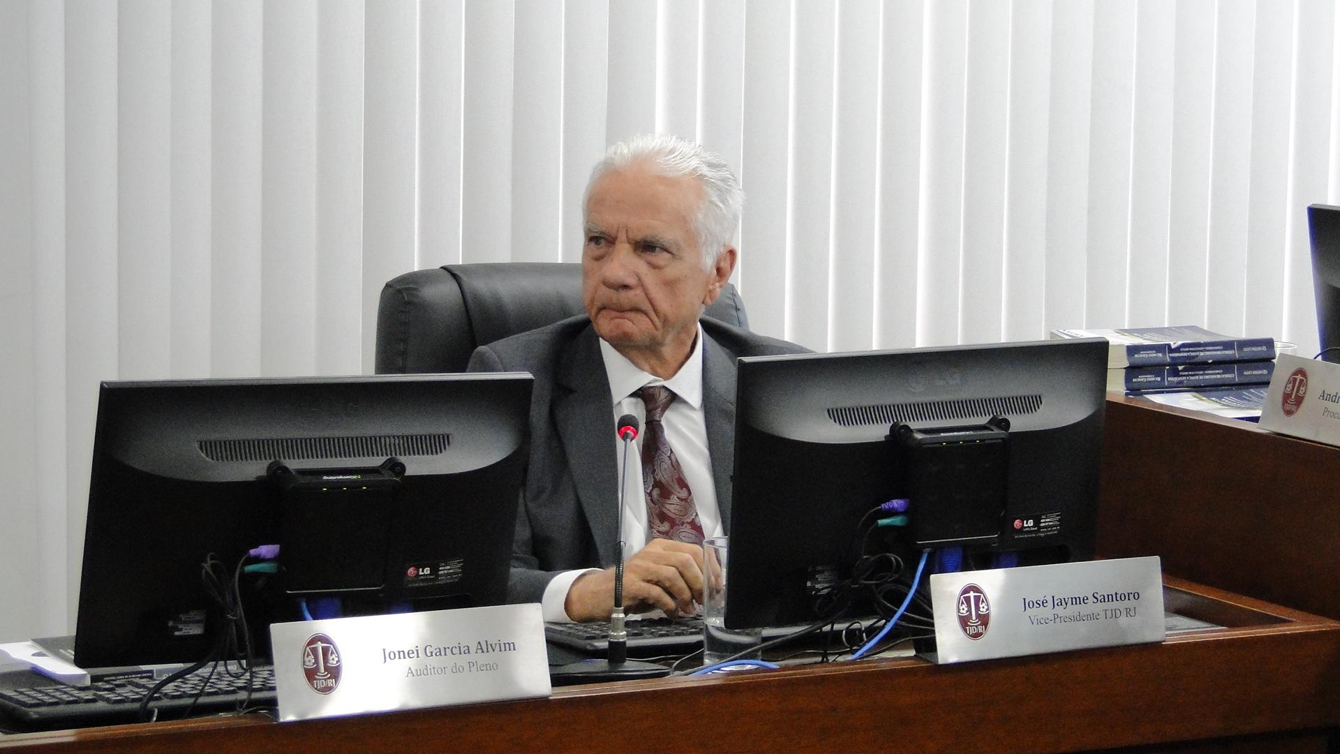 Pleno reforma decisão da Oitava Comissão e Maricá perde pontos por escalação irregular