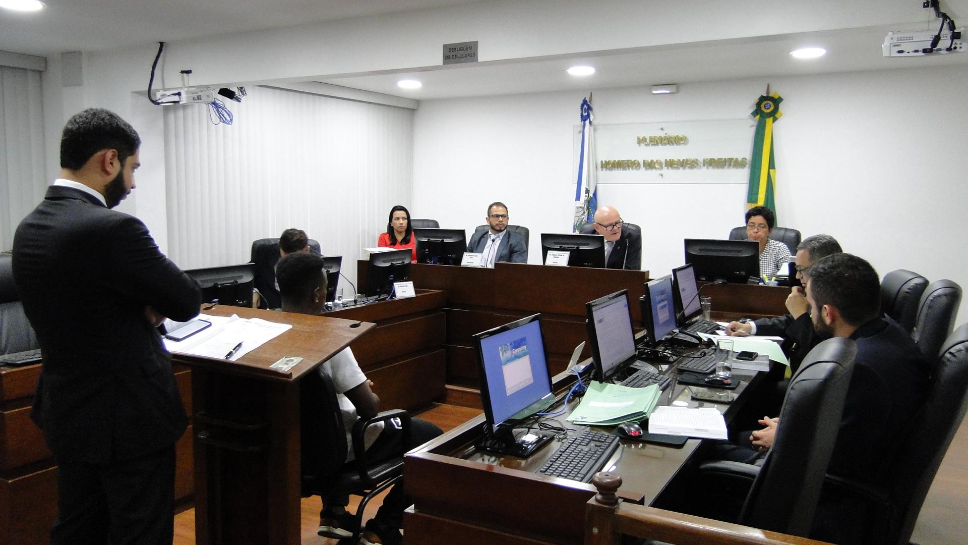 Michel e Sousa, do Botafogo, são punidos com um jogo