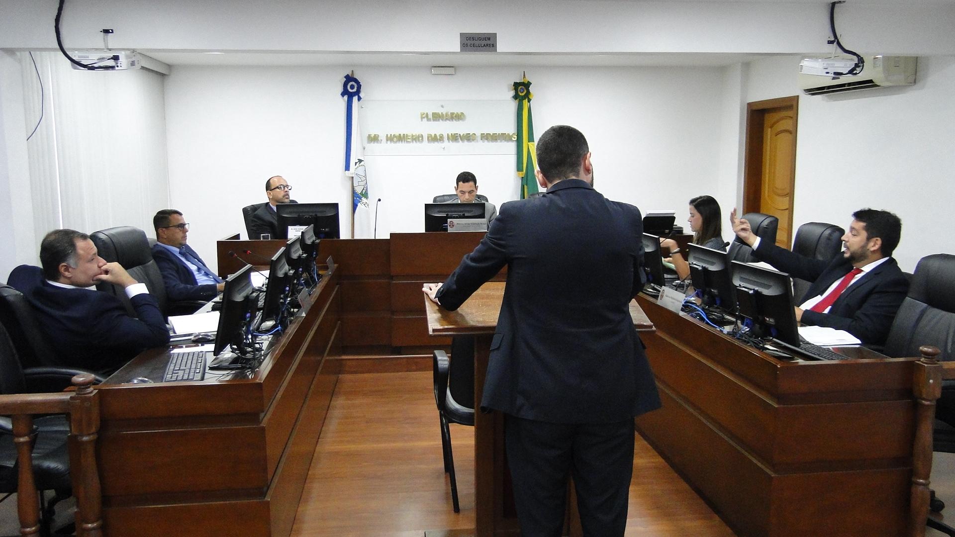 Decisões da Primeira Comissão Disciplinar