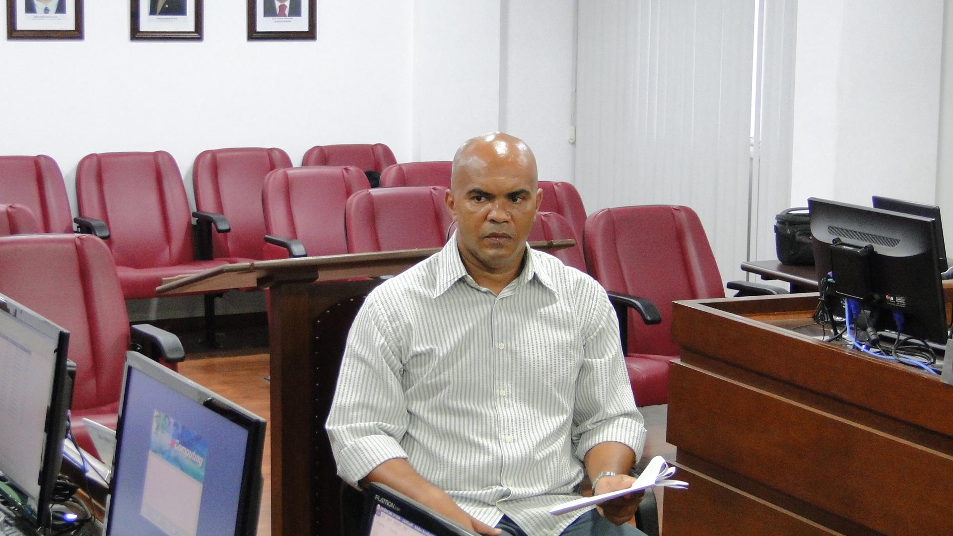 Árbitro é denunciado por deficiência sumular e absolvido