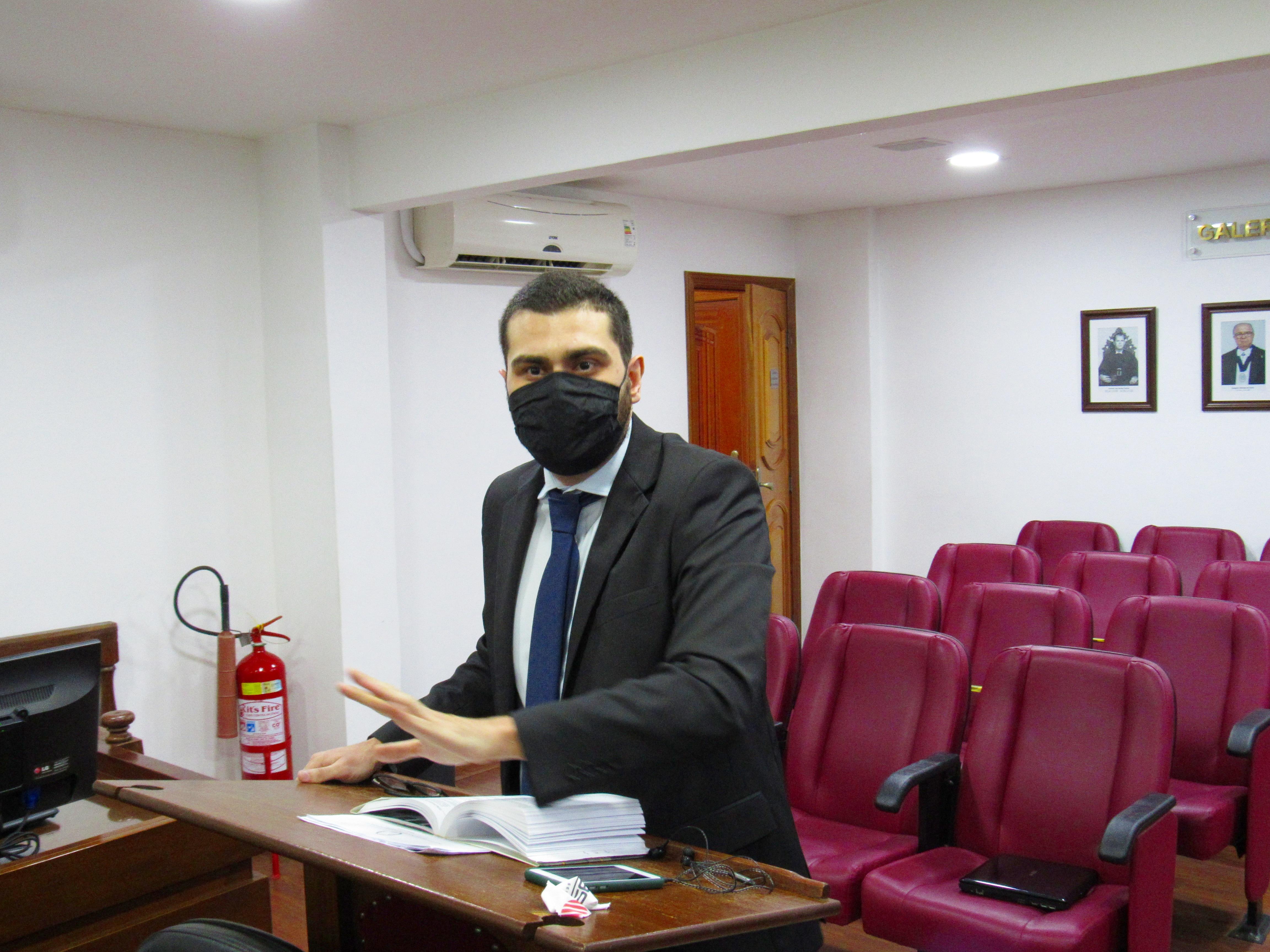 """Flu: Egídio é advertido por """"jogada violenta"""""""